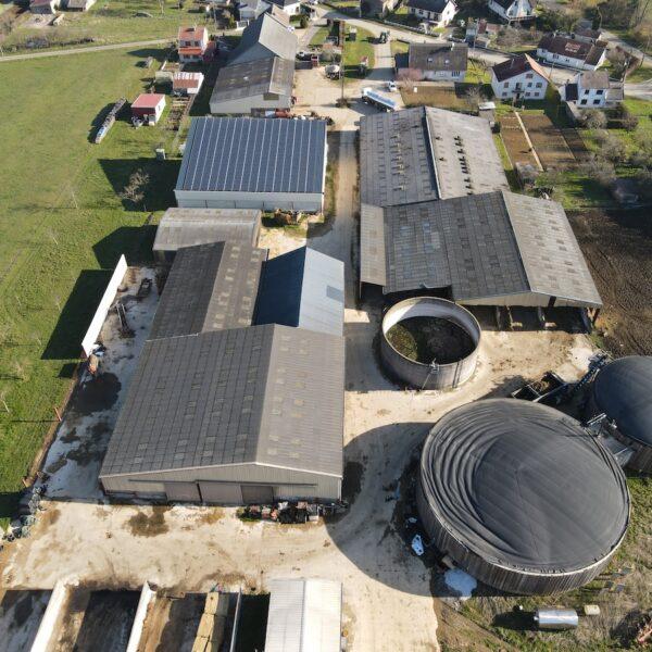 Le-GAEC-de-Charlemagne-installation-de-panneaux-solaires-l-Silicéo