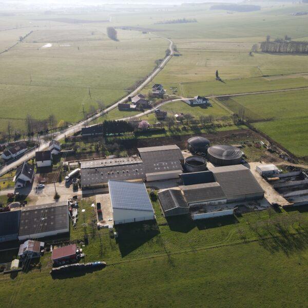 Le-GAEC-de-Charlemagne-pose-de-panneaux-photovoltaïques-l-Silicéo
