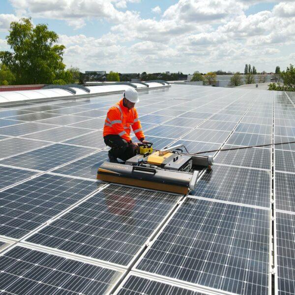 Nettoyage-des-panneaux-photovoltaïques-et-solaires-l-Silicéo