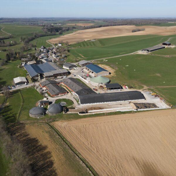 Prez-08-Hangar-agricole-Professionnel-panneaux-photovoltaïques-500-kWc-GAEC-Demorgny-3-l-Silicéo